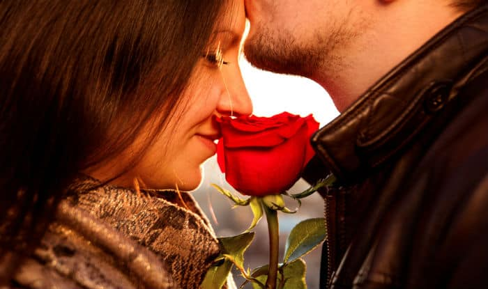 How to get a girl to kiss you when you are not dating her