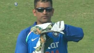 MS Dhoni asks for DRS in India vs England match, forgetting he is not the captain! Watch Video