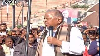Samajwadi Party won't split, says Mulayam Singh Yadav, blames Akhilesh Yadav faction for crisis