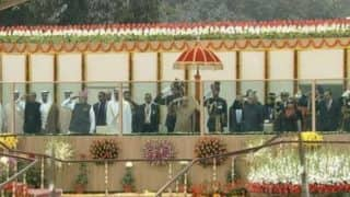 President Pranab Mukherjee hoists Tricolour at Rajpath
