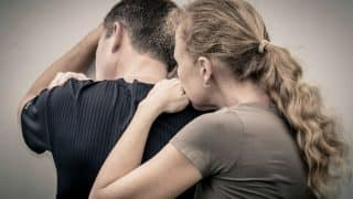 Signs of love addiction: 5 signs that tell you are totally addicted to your partner!