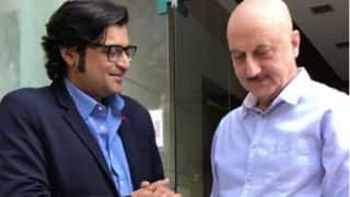 Anupam Kher silences Arnab Goswami! Here's how he achieved the impossible! (Watch Video)