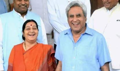 Swaraj Kaushal's response to why he doesn't follow Sushma Swaraj on Twitter is hilarious!