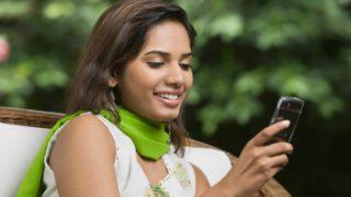 मोबाइल से दूर नहीं रह सकता हर तीन में से दो भारतीय