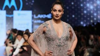 OMFG! Bipasha Basu looked insanely hot in Falguni and Shane Peacock's nude outfit at LFW 2017!