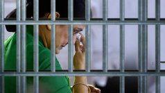 Sasikala Natarajan now wants table fan, mattress and attached bathroom in Bengaluru jail
