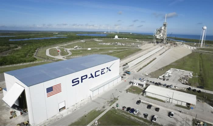 NASA Publishes SpaceX's Futuristic Proposal For Kennedy Space Center