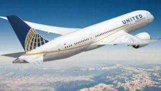 United Airlines bans 2 girls for not dressing up