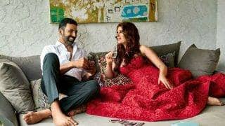 Akshay Kumar loves to be kept on a tight leash! Twinkle Khanna, are you listening?