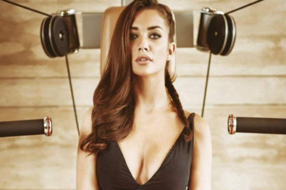 Amy Jackson Leaked Pics oh no! amy jackson's phone hacked and private pictures