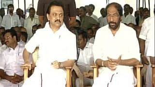 DMK begins hunger strike against Palaniswami's trust vote, Madras HC to hear party's plea today