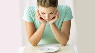 भूखे रहकर वजन कम करने की सोच रहे हैं तो भूल जाइए वरना हो सकते हैं ये भारी नुकसान