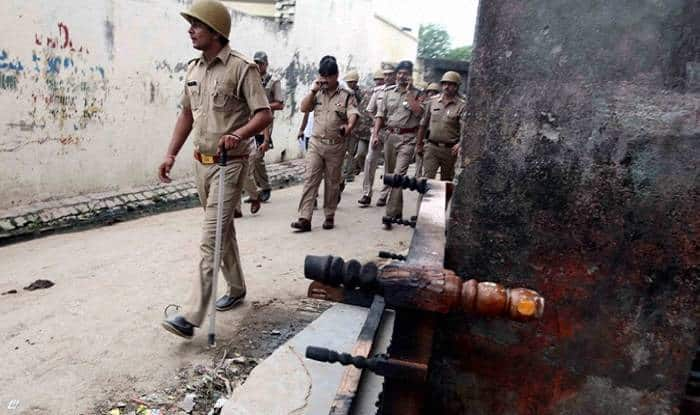1 killed in clashes in Gujarat village