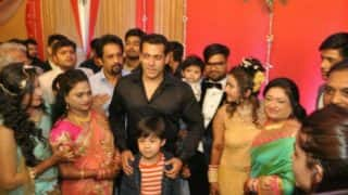 Salman Khan attends his driver's son's wedding, we are not amused!
