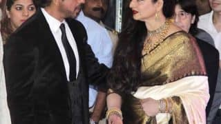 Shah Rukh Khan receives 4th National Yash Chopra Memorial Award, gorgeous Rekha felicitates King Khan (Inside pics and videos)