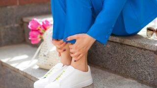 रिसर्च में दावा: घर के बाहर जूते उतारने से नहीं आता मोटापा, बने रहते हैं स्लिम...