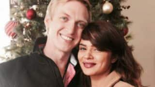 Naagin Actress Aashka Goradia Shares Hot Romantic Moments With Husband Brent Goble; See Pics