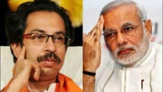 Shiv Sena Slams PM Narendra Modi Over Snooping Row, Says Move Not Sign of Real Democracy But Government's 'Restlessness' to Stay in Power