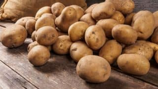 Potato Prices Crash 50 Per Cent to Rs 5-6 Per Kg In Both Producing And Consuming Areas