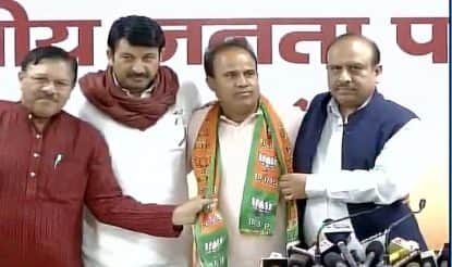 AAP MLA Ved Prakash Satish joins BJP,  says more MLAs ready to join saffron party