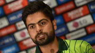 Ahmed Shehzad suffers horrific neck injury while attempting run out, watch video