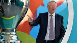 Focus on winning the Europa League to get into Champions League, Sir Alex Ferguson tells Manchester United