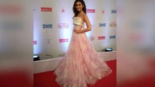 Alia Bhatt's subtle play of style at the Hello! Hall Of Fame Awards 2017 is outstanding!