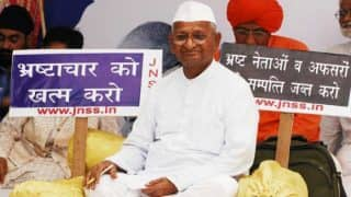 Anna Hazare Sits on Hunger Strike Over Lokpal, Demands Implementation of Lokpal And Lokayukta