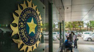 India vs Australia 2017: Match referee Chris Broad rates Bengaluru pitch below average