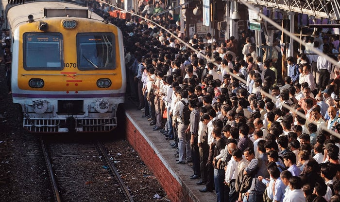 Mumbai Mega Block on April 7 Latest News: Local Train Services on Central, Harbour Lines to Remain Affected