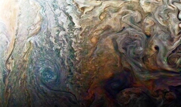 Juno orbiter races by Jupiter on fourth science pass