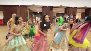 अपनी ही शादी में दुल्हन ने लगातार 17 मिनट डांस कर किया हैरान