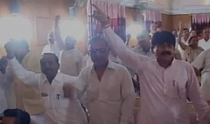 Vande Mataram row in Meerut Municipal Corporation; Muslim councillors leave meeting