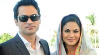 Former Bigg Boss contestant Veena Malik divorces husband after he stops her from acting!