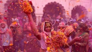 Holi 2018: Widows In Vrindavan, Celebrate The Holi Festival With Flowers and Colours, Watch Video