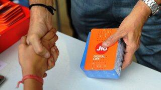 Reliance Jio 4G Data Launch Offers To Expire Soon; Here's What You Need To Do To Enjoy Benefits