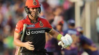AB de Villiers Honoured by Sourav Ganguly as he Rings Bell at The Eden Gardens To Start Kolkata-Bangalore Indian T20 League Contest