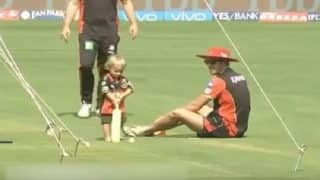 IPL 2017: AB de Villiers' son takes up the bat to learn cricket from dad while chanting 'Go RCB'