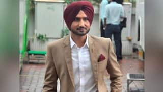 Harbhajan Singh Has Introduced 'Bichoo Dance' After the Success of 'Naagin Dance' and the Video is Going Viral