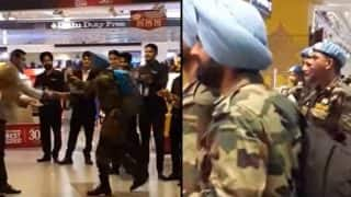 Indian soldiers receive warm welcome from airport staff at IGI Airport in Delhi (Watch Video)