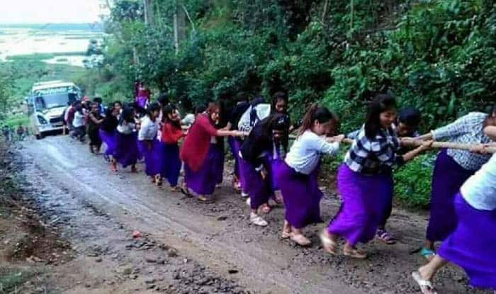 Manipur Girls Form Human Chain to Pull out Bus Stuck in Mud