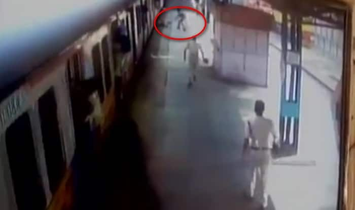 RPF constables save commuter from being run over by Mumbai local