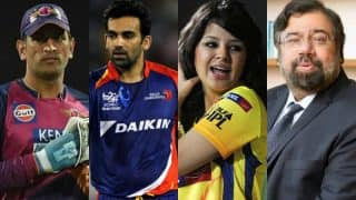 VIVO IPL 2017 Day 7: RPS vs DD or MS Dhoni vs Harsh Goenka - Sakshi Dhoni, Fans are in support of former CSK captain!