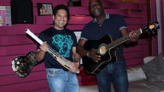 Sachin Tendulkar and Sir Vivian Richards test their musical skills in a jam session! (View pictures)