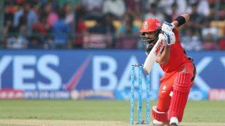 IPL 2017: आते ही विराट कोहली ने मचाया धमाल, मुंबई के खिलाफ ठोकी हाफ सेंचुरी