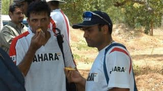 Virender Sehwag enjoys mango with Rahul Dravid - See throwback picture!