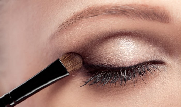 eyeshadow tips for beginners how to choose and apply eyeshadow the right way