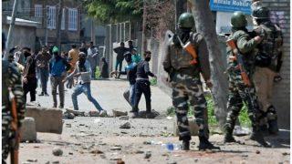 कश्मीर घाटी में तनाव के बाद आज स्कूल-कॉलेज बंद, उमर अब्दुल्ला ने की राष्ट्रपति शासन की मांग