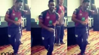 IPL 2017: MS Dhoni shows off his amazing dancing skills, Ben Stokes is in awe! (Watch video)