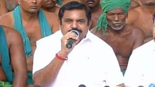 Tamil Nadu CM Edappadi Palanisamy meets farmers at Jantar Mantar, urge them to end protest